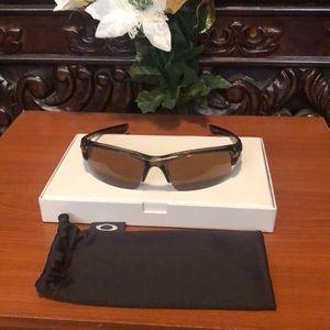 Men's Sunglasses/OAKLEY (BOTTLECAP)